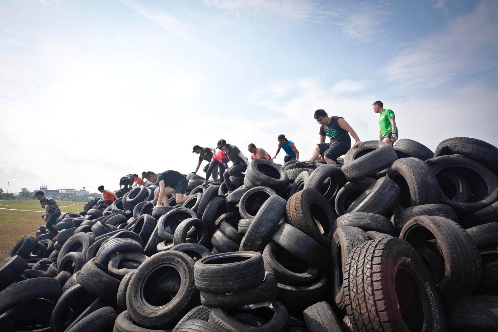 Picture 11 - Viper Challenge participants at the giant tire mountain