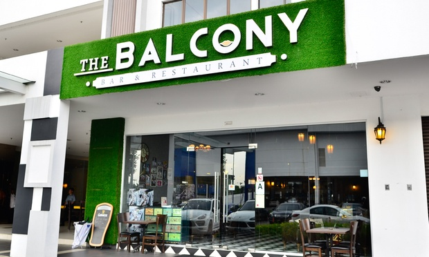 The_Balcony_and_Bar_-_6-1000x600