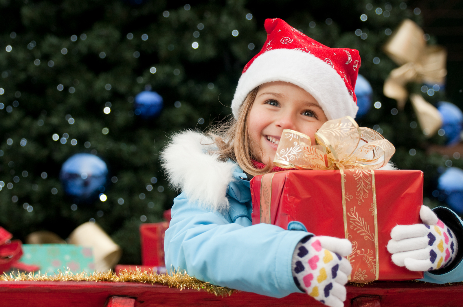 how-to-not-go-overboard-buying-christmas-gifts-for-your-kids