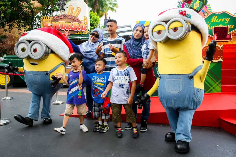 minion-christmas-family