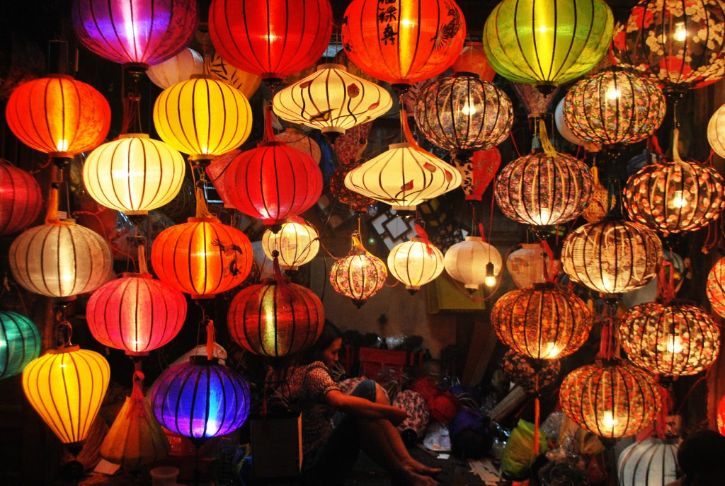 lampshades_night_market_laos